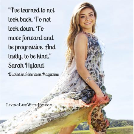 Sarah Hyland - seventeen (1)